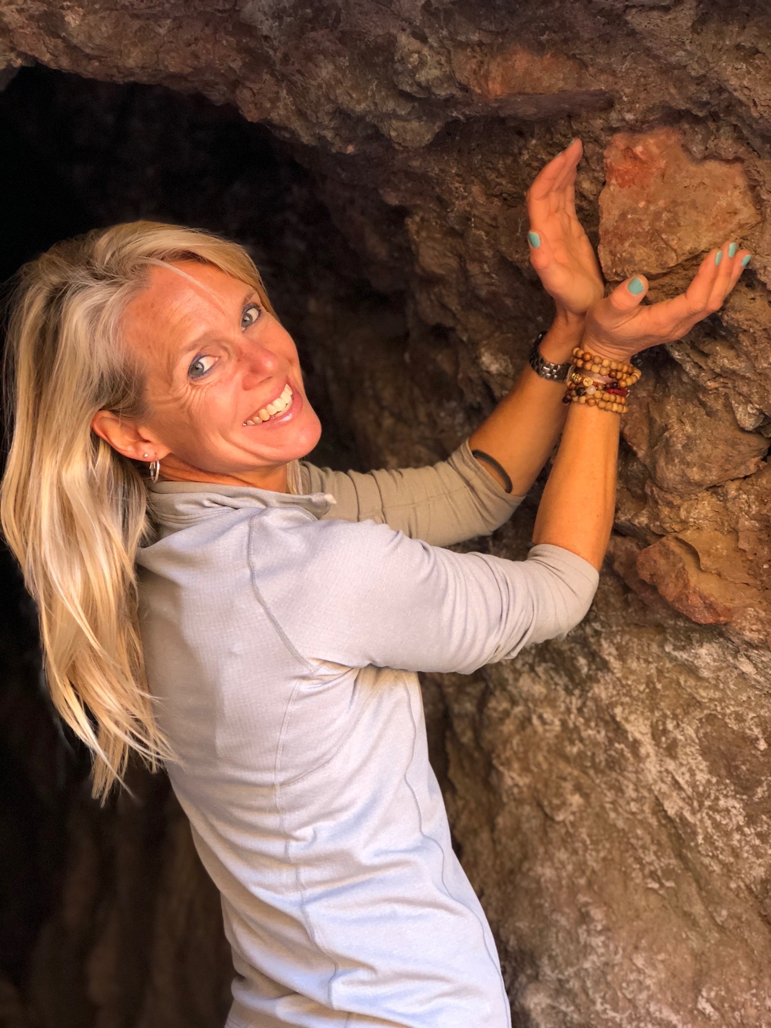 Sara Schulting Kranz with heart shaped rock